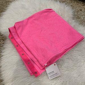 NWT Lululemon Bright Pink Vinyasa Wrap🌟